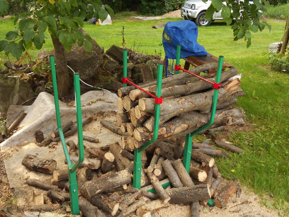 Stojan na řezání dřeva Pořízek v práškové barvě
