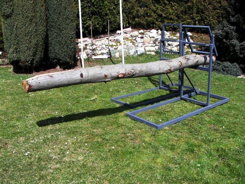 Samosvorná koza na řezání dřeva motorovou pilou